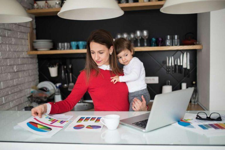LinkedIn  нанимайте женщин  сделавших перерыв в карьере ради ребенка  Они могут стать идеальными сотрудниками
