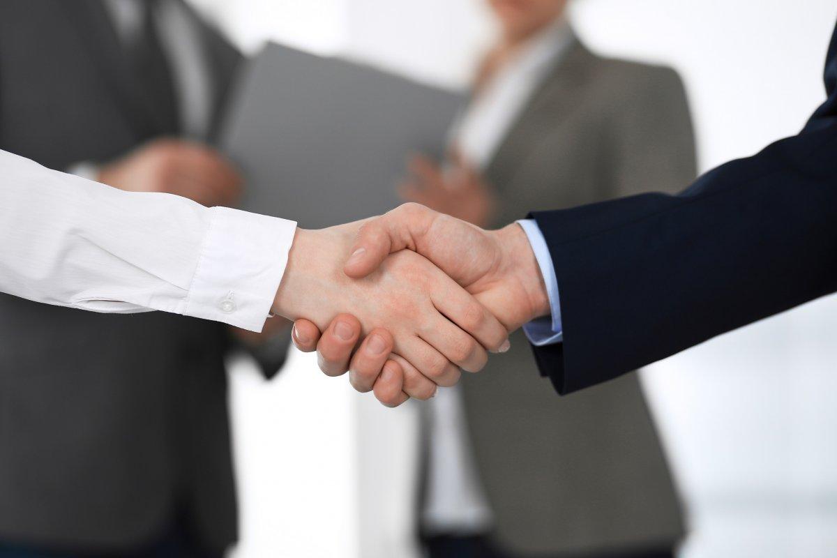 Исследование объяснило  почему компании сознательно нанимают руководителей с сомнительными этическими стандартами